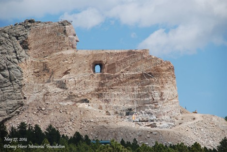 """Hexagon """"UAP"""" appears in photo ABOVE Crazy Horse Monument 2014_5_27-blast-14-020-upl-930t-340b-33"""