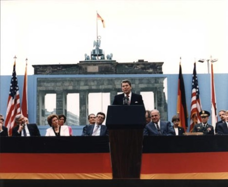 Reagan speaking in front of the Brandenburg Gate in Berlin, June 12, 1987
