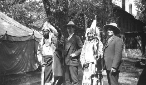 Red Cloud, Red Hawk, Standing Bear, William S. Hart, Crow Absorkee Apsaalooka, Crow Agency, Montana
