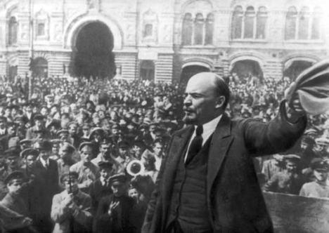 Lenin exhorting the masses in 1917